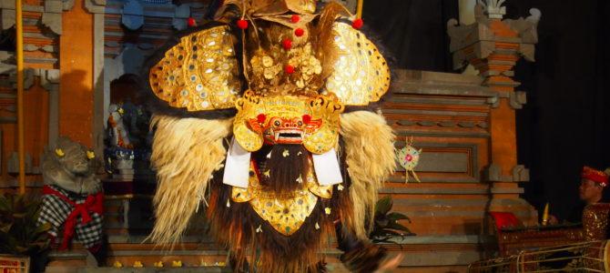 旅記事164 クトゥ村寺院で舞踊鑑賞(火曜:Semara Ratih)と老舗の手打バクソ