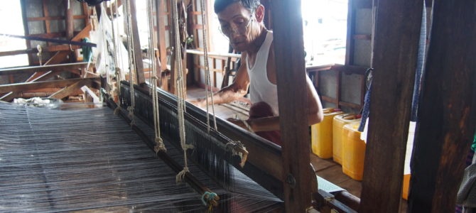 旅記事218  ボートツアーその2 手織り工場