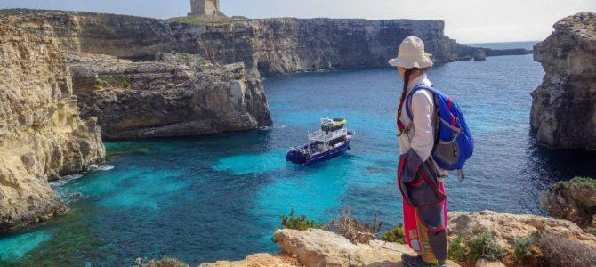 旅記事316 ほぼ無人島のコミノ島でまったり