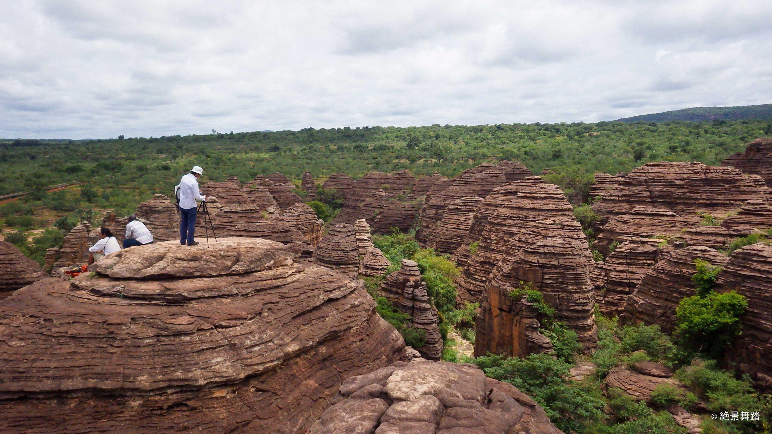 旅記事385 絶景:奇岩群ファベドゥグドームと野生カバ
