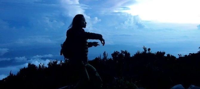 舞踏12 キナバル山 雲海と遠雷