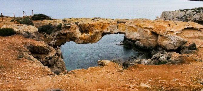 旅記事290 青い海と石のアーチ!オフシーズンのケープ・グレコ