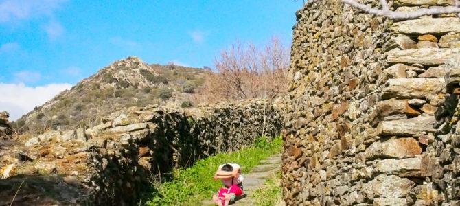 舞踏46 ギリシャ ナクソス島の或る生活道路での舞踏